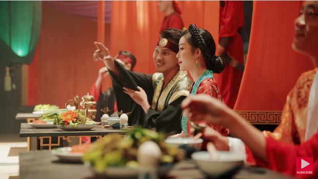 Trứng vịt lộn đã trở lại và chiếm luôn spotlight trong MV mới của Trung Quân, xuất hiện sang chảnh cùng 4 nhân vật chính - Ảnh 1.