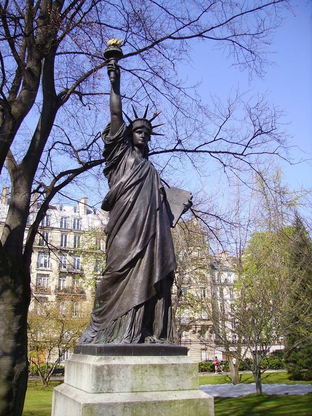 12 bí mật hiếm người biết về Tượng Nữ thần Tự do nổi tiếng thế giới, có khả năng đây không phải là một… quý cô! - Ảnh 11.