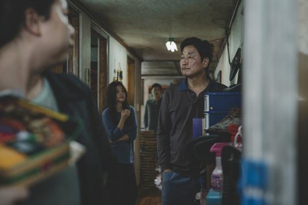 Parasite - Kiệt tác điện ảnh Hàn Quốc ấn tượng nhất 2019 làm cả Hollywood thán phục - Ảnh 3.