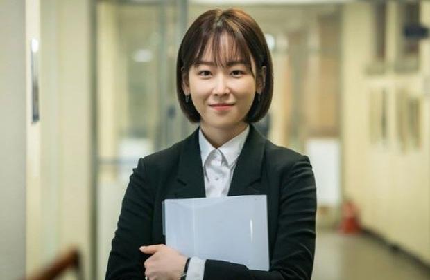 """Hắc Cẩu của Seo Hyun Jin: Không cần drama vẫn khiến khán giả """"stress"""" vì bóc phốt nền giáo dục Hàn quá chân thật - Ảnh 3."""