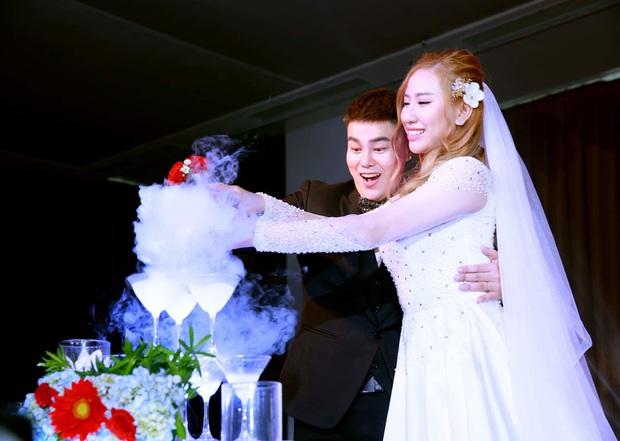 Trường Giang, Chi Dân và dàn sao Vbiz đổ bộ hôn lễ nhạc sĩ Nguyễn Đình Vũ, Hồ Quang Hiếu có mặt mặc scandal - Ảnh 1.