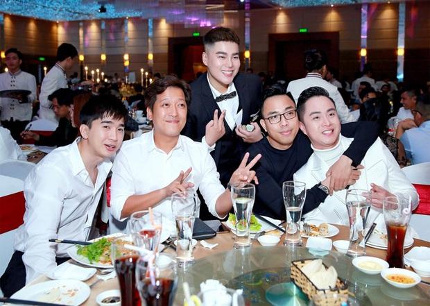 Trường Giang, Chi Dân và dàn sao Vbiz đổ bộ hôn lễ nhạc sĩ Nguyễn Đình Vũ, Hồ Quang Hiếu có mặt mặc scandal - Ảnh 2.