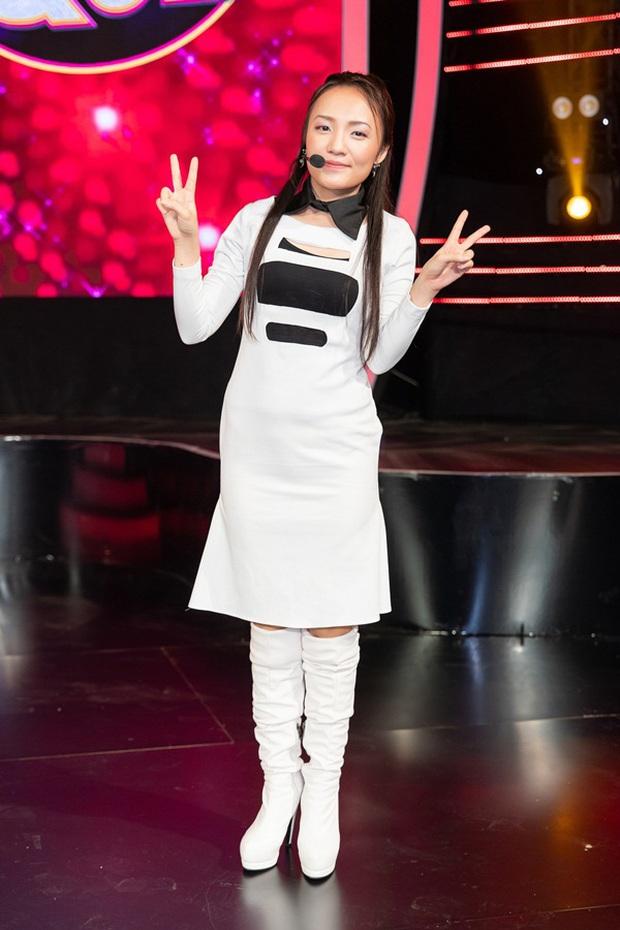 Thánh giả giọng Nhật Thủy từng khiến Mỹ Tâm khen tới tấp vì giọng hát cao vút tại Vietnam Idol! - Ảnh 4.