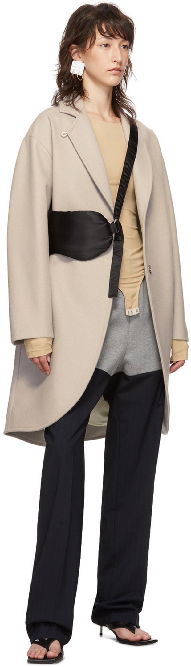 Khuyên tai lừa tình của hãng thời trang nổi tiếng khiến khách hàng phát rồ khi đeo lên - Ảnh 3.