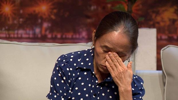 Bà Tân Vlog chùng xuống, ngậm ngùi khi được hỏi về người chồng đã khuất trên truyền hình - Ảnh 6.