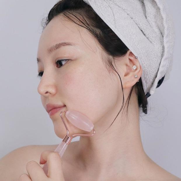 3 món skincare chuyên gia khuyên bạn đừng sắm làm chi cho tốn tiền, vì chúng chẳng giúp ích được nhiều cho làn da - Ảnh 1.