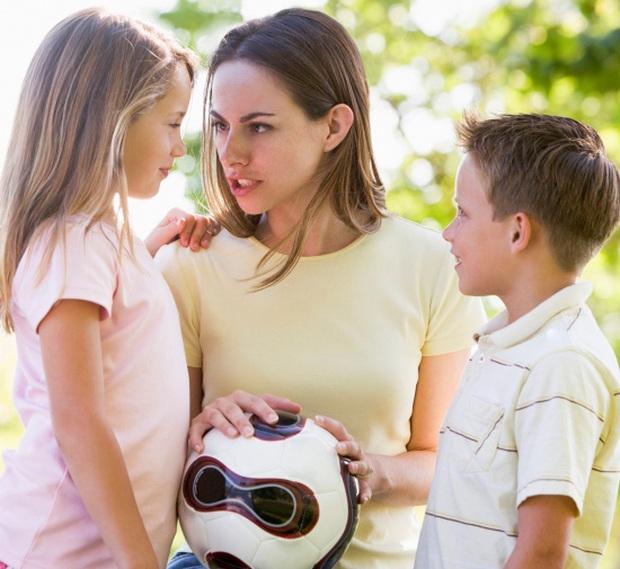 Tại sao những đứa trẻ lúc nhỏ biểu hiện càng ngoan, càng hiểu chuyện thì sau khi lớn lên lại càng có nhiều vấn đề tâm lý, dễ hư hỏng? - Ảnh 2.