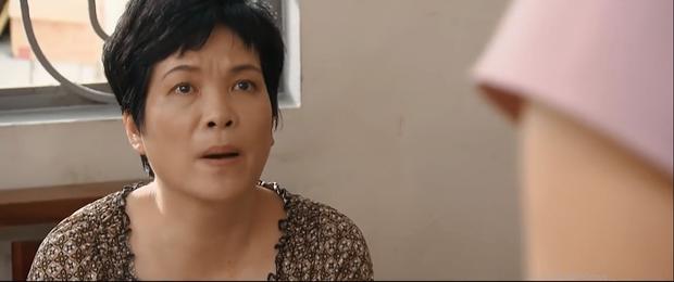 Preview Hoa Hồng Trên Ngực Trái tập 43: Biết Thái sắp chết, Khuê ỡm ờ đòi bỏ Bảo tuần lộc để về bên chồng cũ? - Ảnh 7.