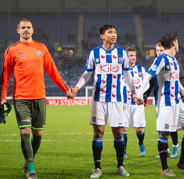 Cựu HLV SC Heerenveen gọi Đoàn Văn Hậu là hợp đồng thương mại chưa đủ trình độ, nhận lương quá cao so với đóng góp - Ảnh 2.