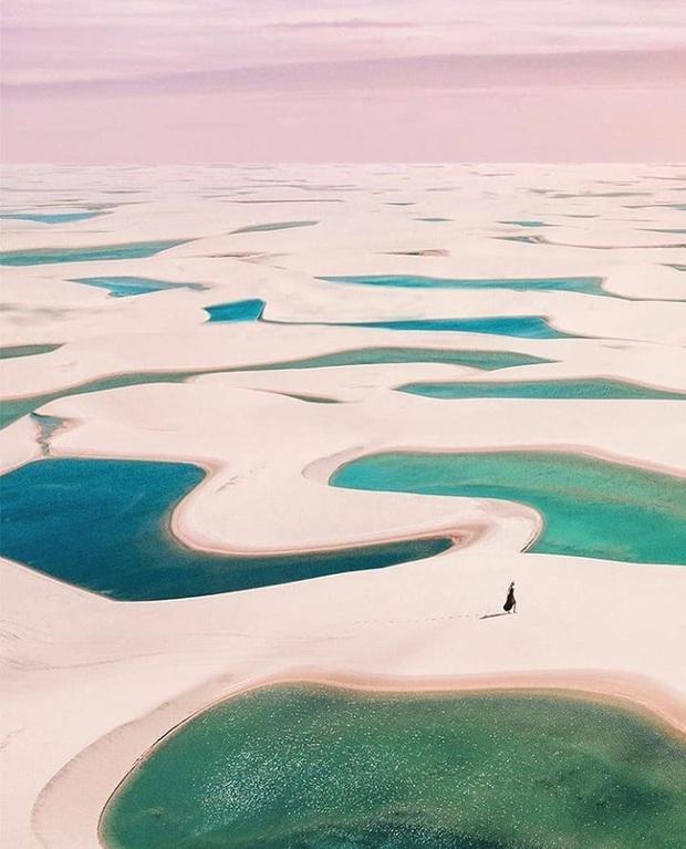 """Dân mạng xôn xao trước loạt ảnh """"tắm biển giữa sa mạc"""" đang gây sốt khắp Brazil, khi tìm ra danh tính của địa điểm mới tá hoả! - Ảnh 3."""