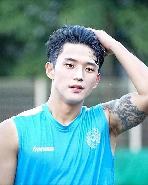 Cầu thủ đẹp trai nhất Hàn Quốc gây sốt tại giải U23 châu Á: Chỉ một khoảnh khắc thôi cũng đủ khiến dân tình phải điêu đứng - Ảnh 6.