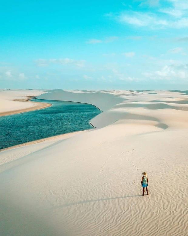 """Dân mạng xôn xao trước loạt ảnh """"tắm biển giữa sa mạc"""" đang gây sốt khắp Brazil, khi tìm ra danh tính của địa điểm mới tá hoả! - Ảnh 10."""