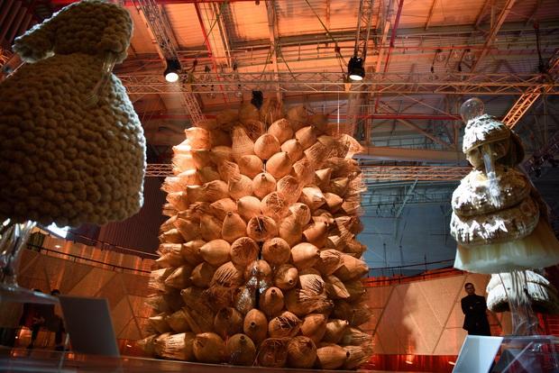 20 năm của Công Trí gói gọn trong một Cục Im Lặng: Áo dài treo trên quạt trần, lập hẳn một điện thờ thần Rắn - Ảnh 10.