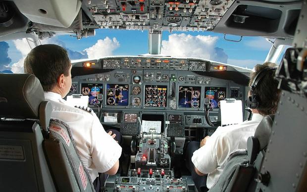 Những bức ảnh về các khu vực bí mật trên máy bay mà du khách không được phép bén mảng tới bao giờ - Ảnh 3.