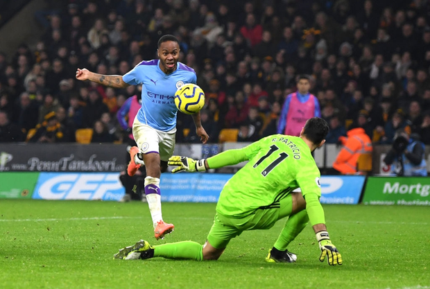 Thủ môn ăn thẻ đỏ sớm, dẫn trước 2-0 rồi thua ngược 2-3, đương kim vô địch Anh giương cờ trắng trong cuộc đua với Liverpool - Ảnh 4.