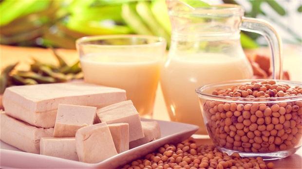 Sạch động mạch, ngừa đột quỵ chỉ với 7 loại thực phẩm nhan nhản ngoài chợ, giá rẻ như cho nhưng chị em thường xuyên bỏ qua - Ảnh 3.