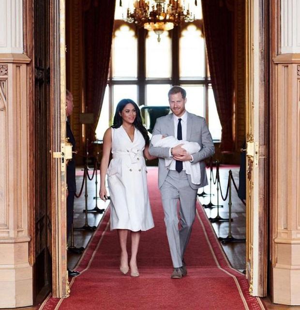 10 khoảnh khắc đã thay đổi Hoàng gia Anh mãi mãi trong một thập kỷ qua - Ảnh 8.