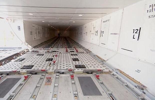 Những bức ảnh về các khu vực bí mật trên máy bay mà du khách không được phép bén mảng tới bao giờ - Ảnh 6.