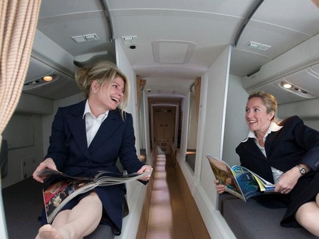 Những bức ảnh về các khu vực bí mật trên máy bay mà du khách không được phép bén mảng tới bao giờ - Ảnh 12.