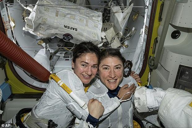 NASA vừa xác lập một kỷ lục liên quan đến các nữ phi hành gia: lịch sử từ nay sẽ gọi tên Christina Koch - Ảnh 2.