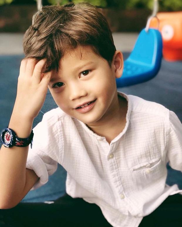 Dàn nhóc tỳ cực phẩm nhà sao Thái: Toàn rich kid, hết lên tạp chí hàng đầu lại đến cover hit BLACKPINK cực chất - Ảnh 13.