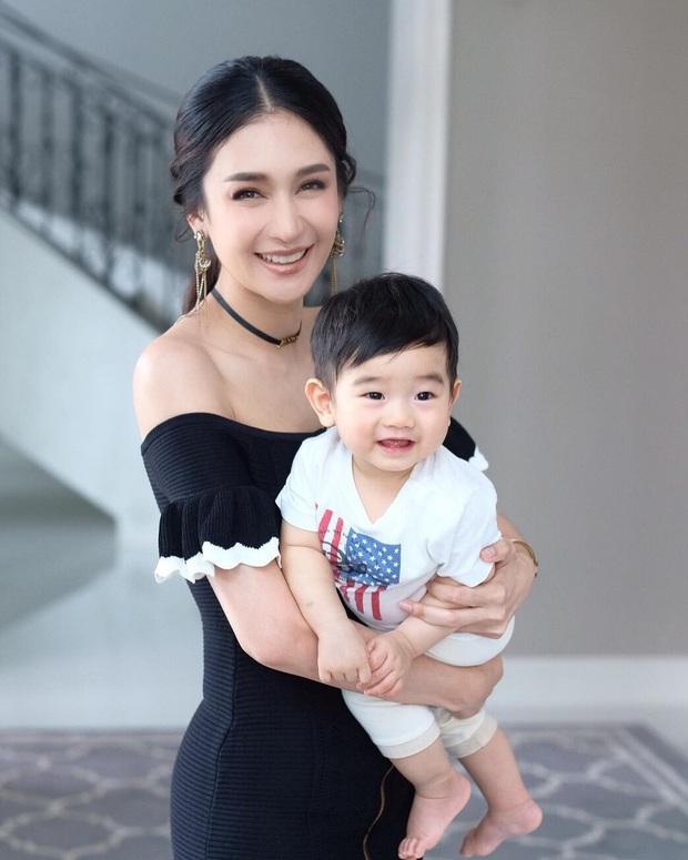 Dàn nhóc tỳ cực phẩm nhà sao Thái: Toàn rich kid, hết lên tạp chí hàng đầu lại đến cover hit BLACKPINK cực chất - Ảnh 16.