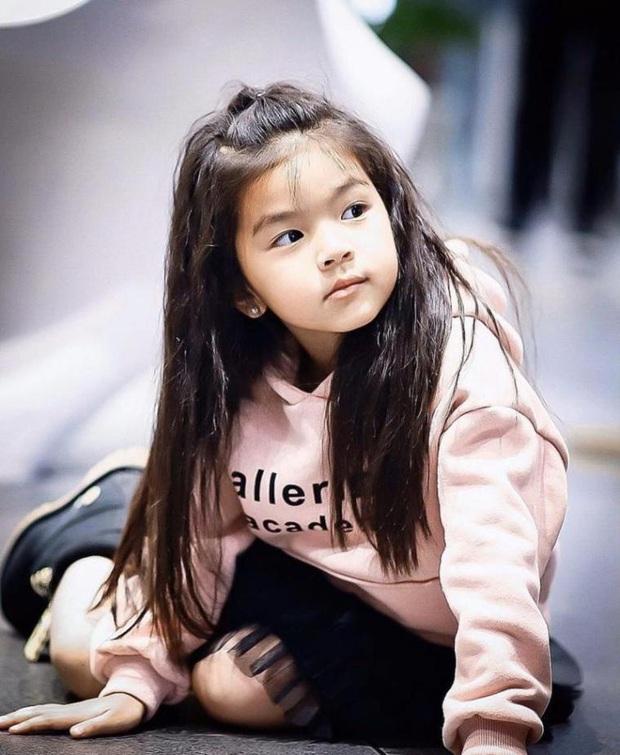 Dàn nhóc tỳ cực phẩm nhà sao Thái: Toàn rich kid, hết lên tạp chí hàng đầu lại đến cover hit BLACKPINK cực chất - Ảnh 34.