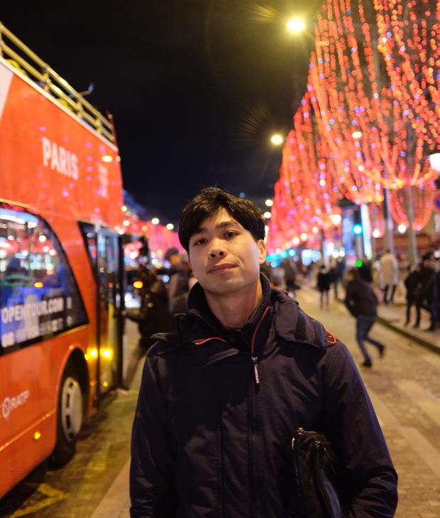 Công Phượng thoả ước nguyện tới chơi ở thủ đô Paris hoa lệ trước khi về Việt Nam - Ảnh 1.