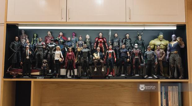 Thầy giáo trẻ gây sốt với bộ sưu tập Marvel khủng: 24 tuổi bỏ tiền mua mô hình nên bị đánh giá là trẻ con, phí tiền - Ảnh 2.