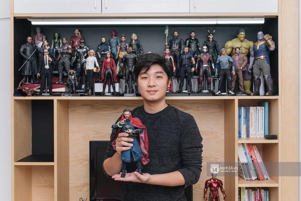 Thầy giáo trẻ gây sốt với bộ sưu tập Marvel khủng: 24 tuổi bỏ tiền mua mô hình nên bị đánh giá là trẻ con, phí tiền - Ảnh 1.