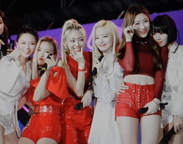 Bữa tiệc đọ visual trong 1 khung hình ở KBS Gayo 2019: BTS - TWICE lép vế vì một cặp đôi tiềm năng mới Kpop? - Ảnh 18.