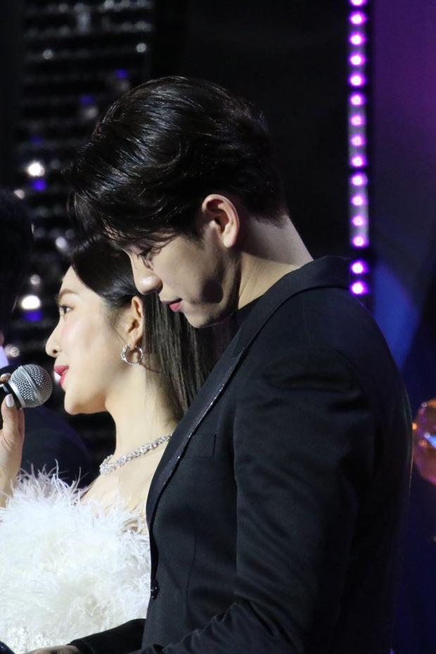 Bữa tiệc đọ visual trong 1 khung hình ở KBS Gayo 2019: BTS - TWICE lép vế vì một cặp đôi tiềm năng mới Kpop? - Ảnh 5.