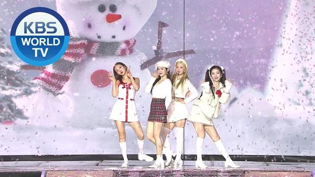 Irene (Red Velvet) chiếm trọn spotlight ở KBS Gayo Daechukje: Gây sốt khi kết hợp cùng Nayeon (TWICE), đẹp tới nỗi loạt sao nam đều phải ngoái nhìn! - Ảnh 9.