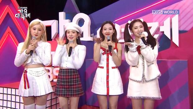 Bữa tiệc đọ visual trong 1 khung hình ở KBS Gayo 2019: BTS - TWICE lép vế vì một cặp đôi tiềm năng mới Kpop? - Ảnh 10.