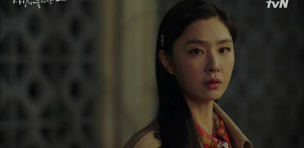 Thấy tài phiệt Son Ye Jin nắm chặt tay trai lạ, Hyun Bin ghen nổ mắt ở tập 5 Tình Yêu Hạ Cánh - Ảnh 2.