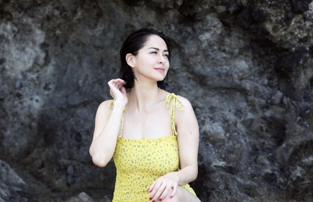 Hiếm lắm mỹ nhân đẹp nhất Philippines mới diện bikini khoe body bên bờ biển: Mẹ 2 con rồi mà vẫn hot quá! - Ảnh 2.