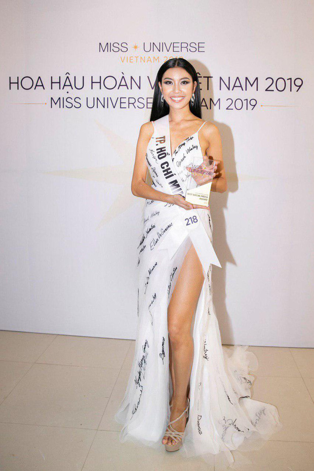 Thúy Vân chính thức giành giải thưởng phụ thí sinh được yêu thích nhất trên mạng xã hội tại Hoa hậu Hoàn vũ Việt Nam 2019 - Ảnh 1.