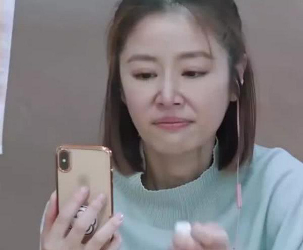 Được nói chuyện với con gái sau thời gian dài xa cách, Lâm Tâm Như khóc nức nở ngay trên sóng truyền hình - Ảnh 3.