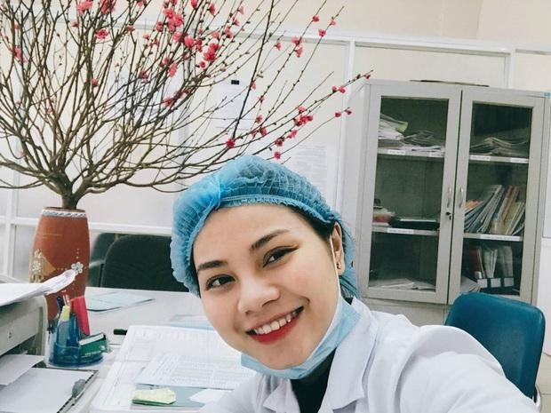 Đại chiến nhan sắc chẳng kém hot girl của những cô nàng bác sĩ trị liệu Việt Nam - Thái Lan tại SEA Games 2019 - Ảnh 9.