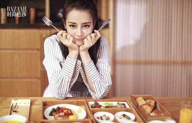Choáng với quy tắc ăn uống khắc nghiệt của dàn sao Cbiz: người chỉ dám ăn 1 cọng mì, kẻ dành tới 2 năm để ăn dưa chuột và trứng - Ảnh 6.