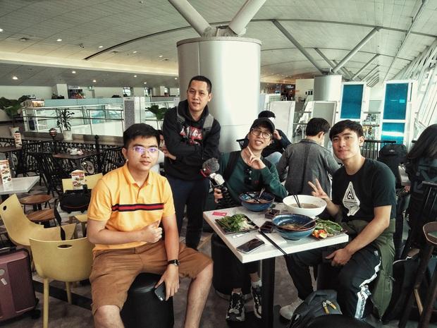 Thầy Giáo Ba, ViruSs cùng phái đoàn Việt Nam lên đường dự All-Stars 2019: giáo sư, nhạc sĩ, thần rừng đủ cả! - Ảnh 2.
