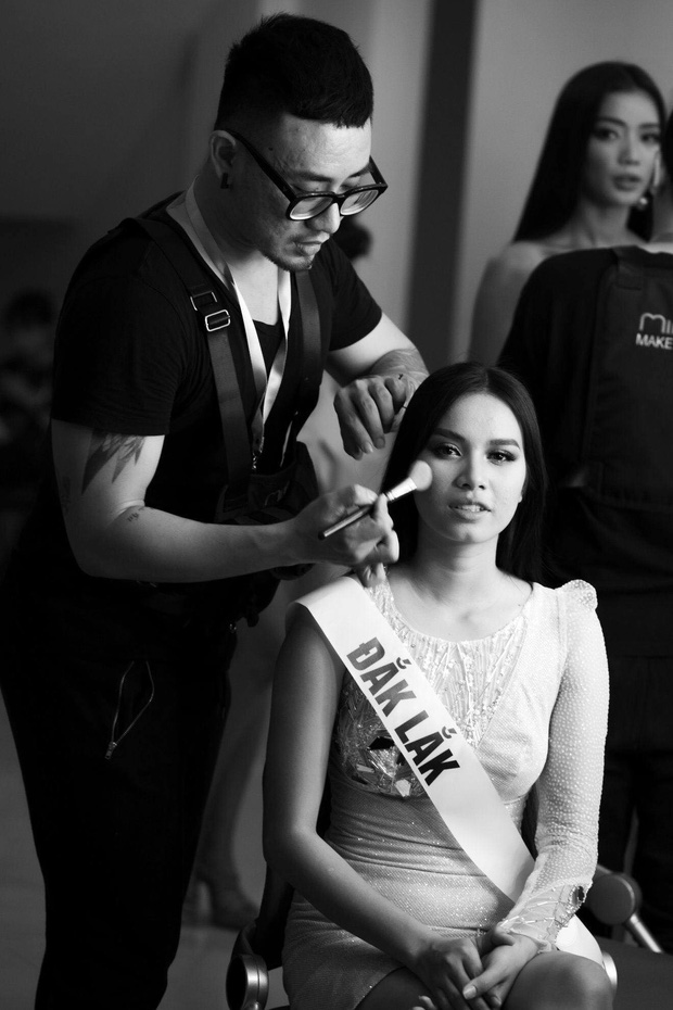 Hậu trường Bán kết Hoa hậu Hoàn Vũ VN tối nay: HLuăi Hwing gợi nhớ Phạm Hương thời Next Top - Ảnh 1.