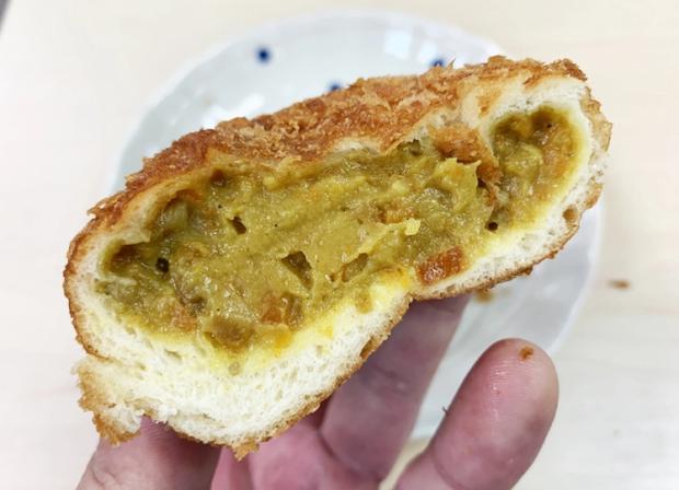 Có gì ở tiệm bánh mì cà ri đầu tiên và lâu đời nhất Nhật Bản khiến nhiều người mê mẩn đến vậy? - Ảnh 3.