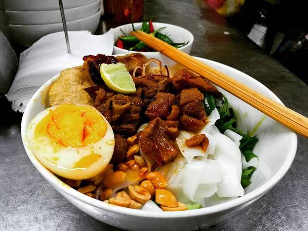 """Đi Đà Nẵng nhớ cẩn thận kẻo phải """"lăn về"""" ở 4 khu phố ẩm thực tràn ngập món ngon nức tiếng - Ảnh 7."""