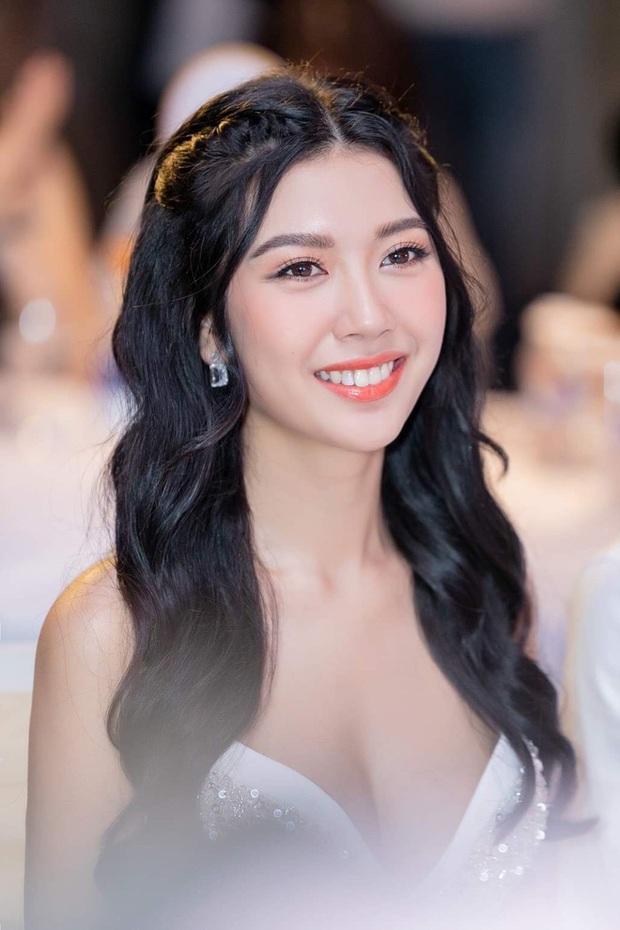 Thúy Vân chính thức giành giải thưởng phụ thí sinh được yêu thích nhất trên mạng xã hội tại Hoa hậu Hoàn vũ Việt Nam 2019 - Ảnh 3.
