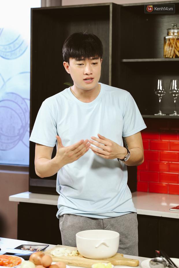 Quốc Trường vừa nấu ăn vừa hồn nhiên đòi cưới Bảo Thanh lẫn Bảo Anh khiến MC cũng té ngửa - Ảnh 8.