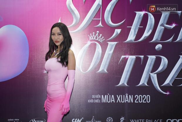 Cô nàng lắm chiêu Hương Giang gây sốc khi chuyển giới ngược về làm đàn ông ở họp báo ra mắt Sắc Đẹp Dối Trá - Ảnh 7.