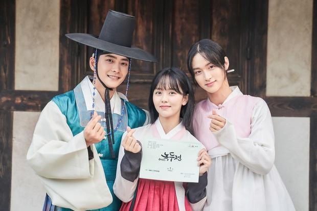 Sao nhí Mặt trăng ôm mặt trời một thời Kim So Hyun lên tiếng về tin đồn hẹn hò nam thần hơn 7 tuổi, tiết lộ mối quan hệ thật - Ảnh 3.
