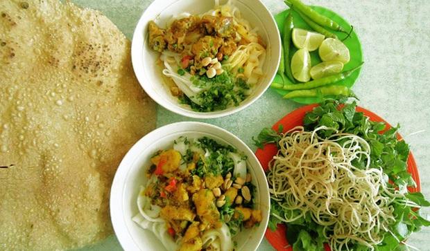 """Đi Đà Nẵng nhớ cẩn thận kẻo phải """"lăn về"""" ở 4 khu phố ẩm thực tràn ngập món ngon nức tiếng - Ảnh 2."""