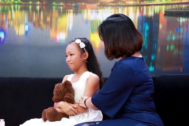 Ốc Thanh Vân bật khóc khi nghe câu chuyện vũ công nhí bị mẹ đánh và ép học vũ đạo - Ảnh 4.